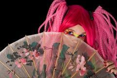 Ελκυστικό κορίτσι με την ιαπωνική ομπρέλα Στοκ φωτογραφίες με δικαίωμα ελεύθερης χρήσης