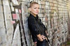 Ελκυστικό μοντέλο μόδας Στοκ εικόνα με δικαίωμα ελεύθερης χρήσης