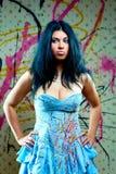 ελκυστικό μπλε κορίτσι φορεμάτων αρκετά Στοκ εικόνες με δικαίωμα ελεύθερης χρήσης