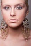 ελκυστικό πορτρέτο κορ&iota Στοκ Εικόνες