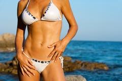 ελκυστικό bikini θηλυκό σωμάτων Στοκ Φωτογραφίες