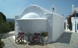 Ελλάδα το νησί της Αμοργού Ένα γραφικό παρεκκλησι στοκ εικόνα με δικαίωμα ελεύθερης χρήσης