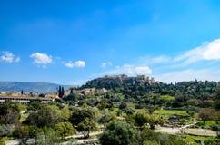 ΕΛΛΑΔΑ, ΑΘΗΝΑ - 29 ΜΑΡΤΊΟΥ 2017: Αρχαία αγορά της Αθήνας Στο υπόβαθρο είναι η ακρόπολη Στοκ Εικόνες