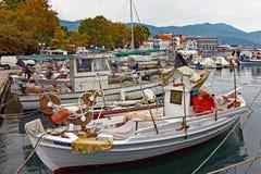 Ελληνικά αλιευτικά σκάφη, ελληνικό νησί Thassos στοκ εικόνες