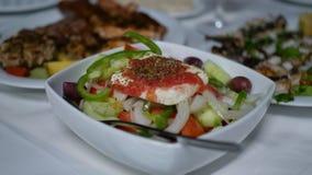 Ελληνικά τρόφιμα στον πίνακα στοκ φωτογραφία με δικαίωμα ελεύθερης χρήσης
