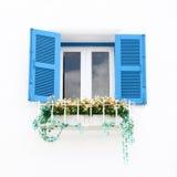 Ελληνικά Windows και λουλούδι ύφους Στοκ φωτογραφία με δικαίωμα ελεύθερης χρήσης
