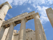 ελληνική καταστροφή στηλών Στοκ φωτογραφία με δικαίωμα ελεύθερης χρήσης