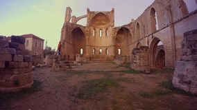 Ελληνική Ορθόδοξη Εκκλησία του ST George που καταστρέφεται και που εγκαταλείπεται απόθεμα βίντεο