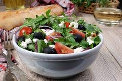 Ελληνική σαλάτα με το arugula Στοκ Εικόνα