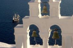 ελληνική σκηνή santorini νησιών χαρακτηριστική Στοκ εικόνα με δικαίωμα ελεύθερης χρήσης