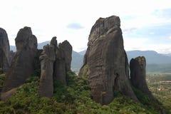 Ελληνικοί ορειβάτες απότομων βράχων βράχου βουνών meteora στοκ εικόνες