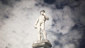 Ελληνικός αθλητής αγαλμάτων cloudscape timelapse φιλμ μικρού μήκους