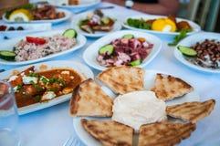 Ελληνικό μεσημεριανό γεύμα meze στοκ φωτογραφία με δικαίωμα ελεύθερης χρήσης
