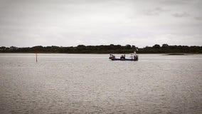 Δεμένη βάρκα στη Βρετάνη απόθεμα βίντεο