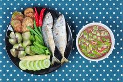 Εμβύθιση κολλών γαρίδων όπως & x22  Nam Prik Kapi& x22  Στοκ Εικόνα