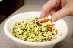 Εμβύθιση salsa λάχανων Στοκ φωτογραφία με δικαίωμα ελεύθερης χρήσης