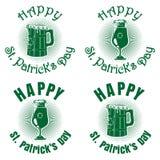 Εμβλήματα που τίθενται πράσινα με την μπύρα για την ημέρα του ST Patricks Στοκ εικόνα με δικαίωμα ελεύθερης χρήσης