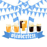 Εμβλήματα Oktoberfest στο βαυαρικό χρώμα Ελαφριά και σκοτεινή μπύρα Γιορτή της άσπρης και μπλε κορδέλλας Oktoberfest της Βαυαρίας Στοκ φωτογραφία με δικαίωμα ελεύθερης χρήσης