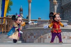 Εμπαιγμός και Minnie στη βασιλική φιλία Faire του εμπαιγμού σε Cinderella Castle στο μαγικό βασίλειο 5 στοκ φωτογραφία με δικαίωμα ελεύθερης χρήσης