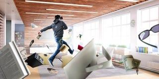 Εμπειρία εικονικής πραγματικότητας Τεχνολογίες του μέλλοντος στοκ εικόνα με δικαίωμα ελεύθερης χρήσης