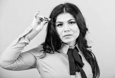 Εμπειρογνώμονας ομορφιάς Καλλυντικό εργαλείο tweezer Έννοια καταστημάτων ομορφιάς Ψεύτικος όγκος μαστιγίων Makeup Επέκταση Eyelas στοκ εικόνες με δικαίωμα ελεύθερης χρήσης