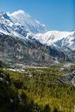 Εμπνευσμένα βουνά του Ιμαλαίαυ τοπίων στο Νεπάλ Στοκ εικόνες με δικαίωμα ελεύθερης χρήσης