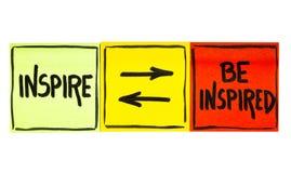 Εμπνεύστε και να είστε εμπνευσμένη έννοια στοκ εικόνα