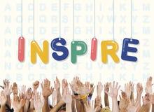 Εμπνεύστε το αισιόδοξο θεωρεί το όραμα ότι φιλοδοξίας καινοτομεί έννοια στοκ εικόνες