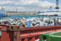 Εμπορευματοκιβώτιο απορρίματος στη Βαρκελώνη Στοκ Φωτογραφία