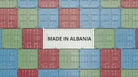 Εμπορευματοκιβώτιο με ΚΑΜΕΝΟΣ στο κείμενο της ΑΛΒΑΝΙΑΣ Η αλβανική εισαγωγή ή η εξαγωγή αφορούσε την τρισδιάστατη απόδοση διανυσματική απεικόνιση