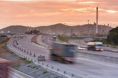 Εμπορευματοκιβώτιο φορτηγών στην παράδοση οδικής ταχύτητας Στοκ φωτογραφίες με δικαίωμα ελεύθερης χρήσης