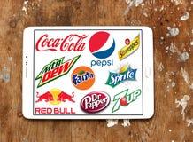Εμπορικά σήματα και λογότυπα μη αλκοολούχων ποτών Στοκ φωτογραφίες με δικαίωμα ελεύθερης χρήσης