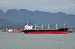 Εμπορικά σκάφη που παραδίδουν το φορτίο, roaring25 Στοκ Εικόνες