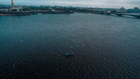 Εμπορική τήξη που αλιεύει στον ποταμό φιλμ μικρού μήκους