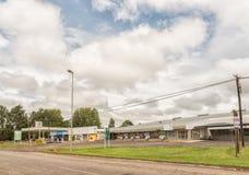 Εμπορικό κέντρο με το βενζινάδικο σε Winterton σε kwazulu-γενέθλιο Στοκ φωτογραφία με δικαίωμα ελεύθερης χρήσης