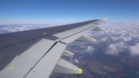 Εμπορικό να μετακινηθεί με ταξί επιβατικών αεροπλάνων αερογραμμών έτοιμο για την απογείωση απόθεμα βίντεο