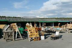 Εμπόριο στα αγαθά και τα αναμνηστικά βιοτεχνίας στο πέρασμα Seminsky, Δημοκρατία Altai, δυτική Σιβηρία στοκ εικόνες με δικαίωμα ελεύθερης χρήσης