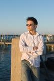 εμφανίζοντας νεολαίες ηλιοβασιλέματος ατόμων Στοκ φωτογραφία με δικαίωμα ελεύθερης χρήσης