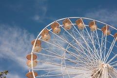 ενάντια στην μπλε ρόδα ουρανού ferris Στοκ Εικόνες