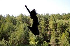 ενάντια στη σκιαγραφία φύσης κοριτσιών Στοκ Φωτογραφίες
