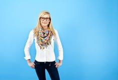ενάντια στις μπλε νεολαίες γυναικών ανασκόπησης Στοκ Εικόνα