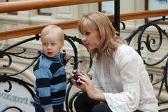ενάντια στο αγόρι η περίφρα&x στοκ φωτογραφίες με δικαίωμα ελεύθερης χρήσης