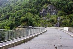 Ενάντιο φράγμα, Ελβετία στοκ εικόνες με δικαίωμα ελεύθερης χρήσης