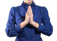 Ενήλικη νέα όμορφη επιχειρησιακή γυναίκα Sawatdee στο άσπρο υπόβαθρο Στοκ φωτογραφία με δικαίωμα ελεύθερης χρήσης