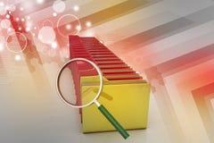 Ενίσχυση - γυαλί με το φάκελλο αρχείων Στοκ Εικόνα