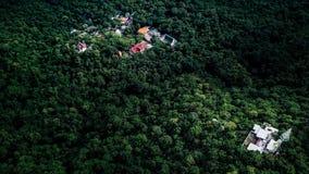 Εναέρια άποψης επαρχία Lopburi Ταϊλάνδη απαρατήρητο Lopburi ναών Wat Weyru ωχρή Στοκ Εικόνες
