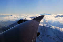 Εναέρια άποψη Άλπεων από το αεροπλάνο Στοκ Εικόνα