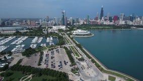 Εναέρια άποψη ακτών της λίμνης Μίτσιγκαν στο Σικάγο, Ιλλινόις φιλμ μικρού μήκους