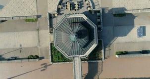 Εναέρια άποψη ανόδου του βικτοριανού bandstand στο Μπράιτον και ανυψωμένος φιλμ μικρού μήκους