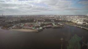 Εναέρια άποψη από το ελικόπτερο της Άγιος-Πετρούπολης απόθεμα βίντεο